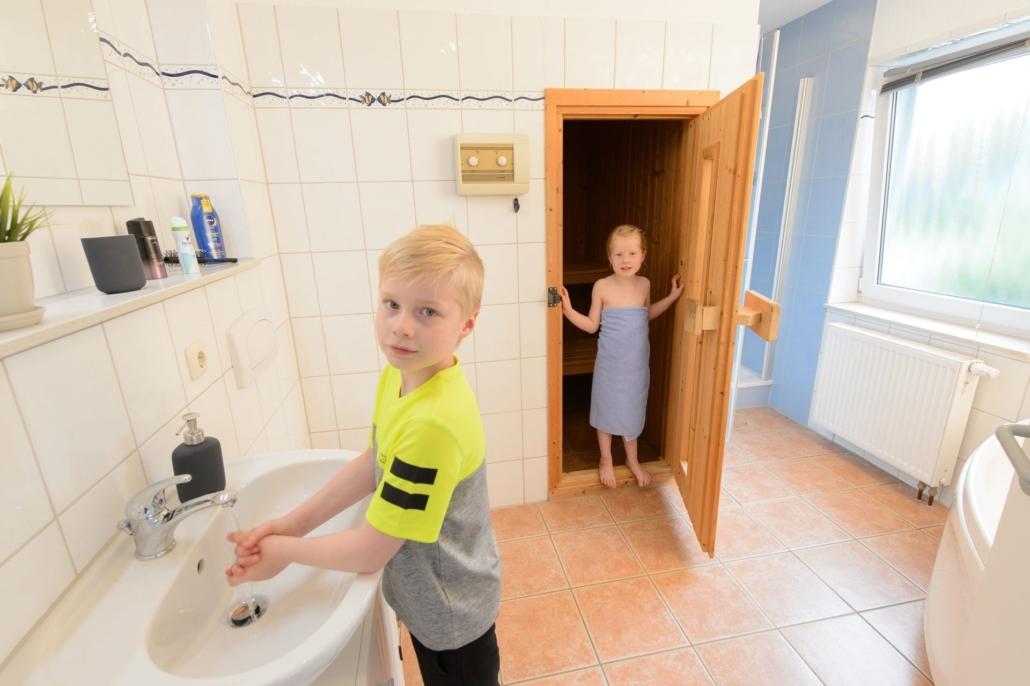 Ferienhaus_Jette_Badezimmer_mit_Sauna