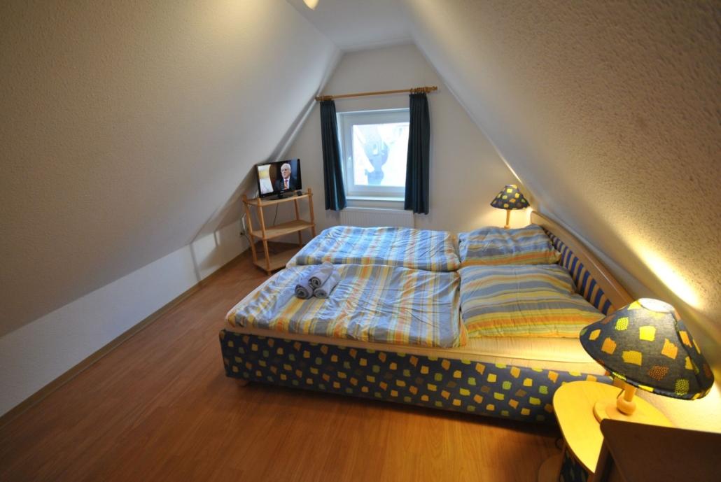 Ferienwohnung_Rathausblick_Schlafzimmer