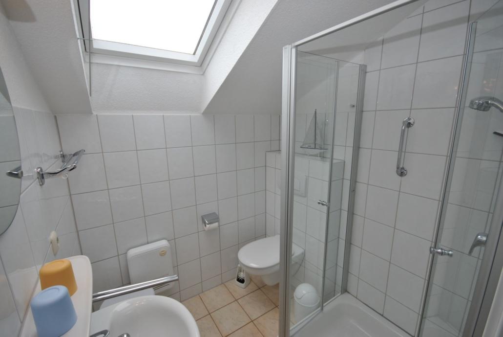 Ferienhaus_Strandperle_Badezimmer2